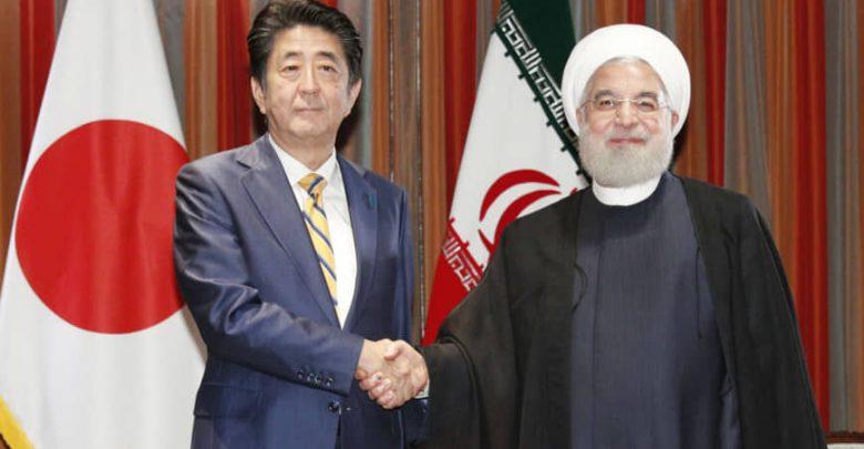 مذاکره خصوصی و یک ساعته روحانی و شینزو آبه پشت درهای بسته