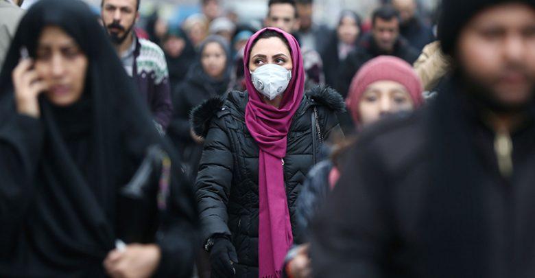 مردم در ایران و سایر کشورها چگونه با بخشنامه مقابله با کرونا تا میکنند