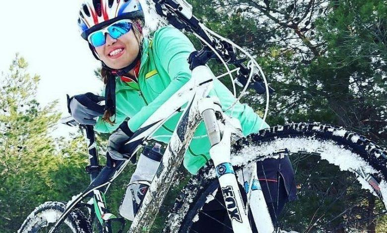 ونوس زرین خاک دوچرخه سوار