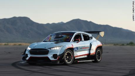 مدل جدید موستانگ ابر خودرویی الکتریکی و 1400 اسب بخاری است