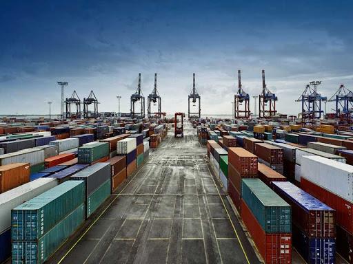 کاهش چشمگیر صادرات نفتی و غیرنفتی کشور تحت تاثیر تحریمها و کرونا