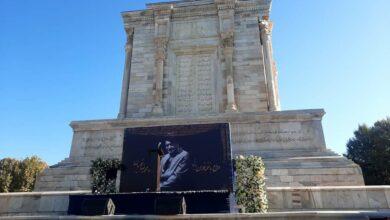 تصویر از تصاویر حضور خانوادهی استاد بر سر مزار در چهلمین روز درگذشت استاد شجریان
