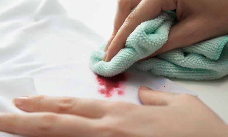 پاک کردن لاک ناخن