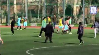 تصویر از فیلم شرمآور کتککاری و چاقوکشی در فوتبال تهران
