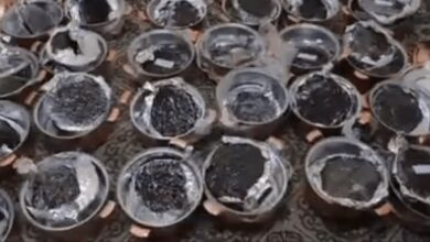 تصویر از قیر در قابلمه مسی | در قابلمه مسی قیر میگذارند که وزن آن بیشتر شود!