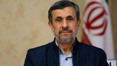 تصویر از تصاویر احمدینژاد جلوی در خانهاش پس از ردصلاحیت